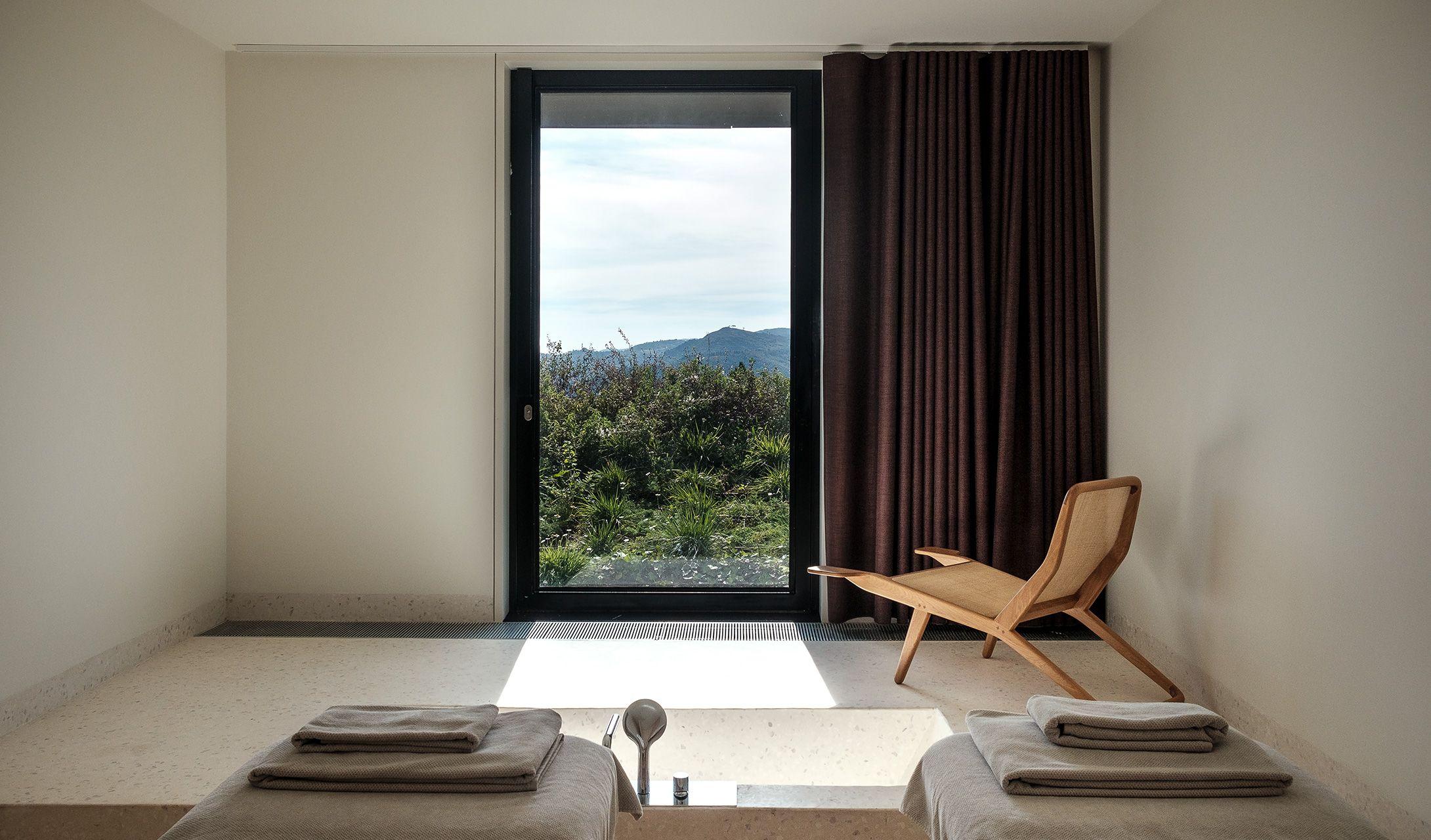 Casa de São Lourenço — Modern Design Luxury 5 Star Hotel Manteigas Portugal Glacial Valley