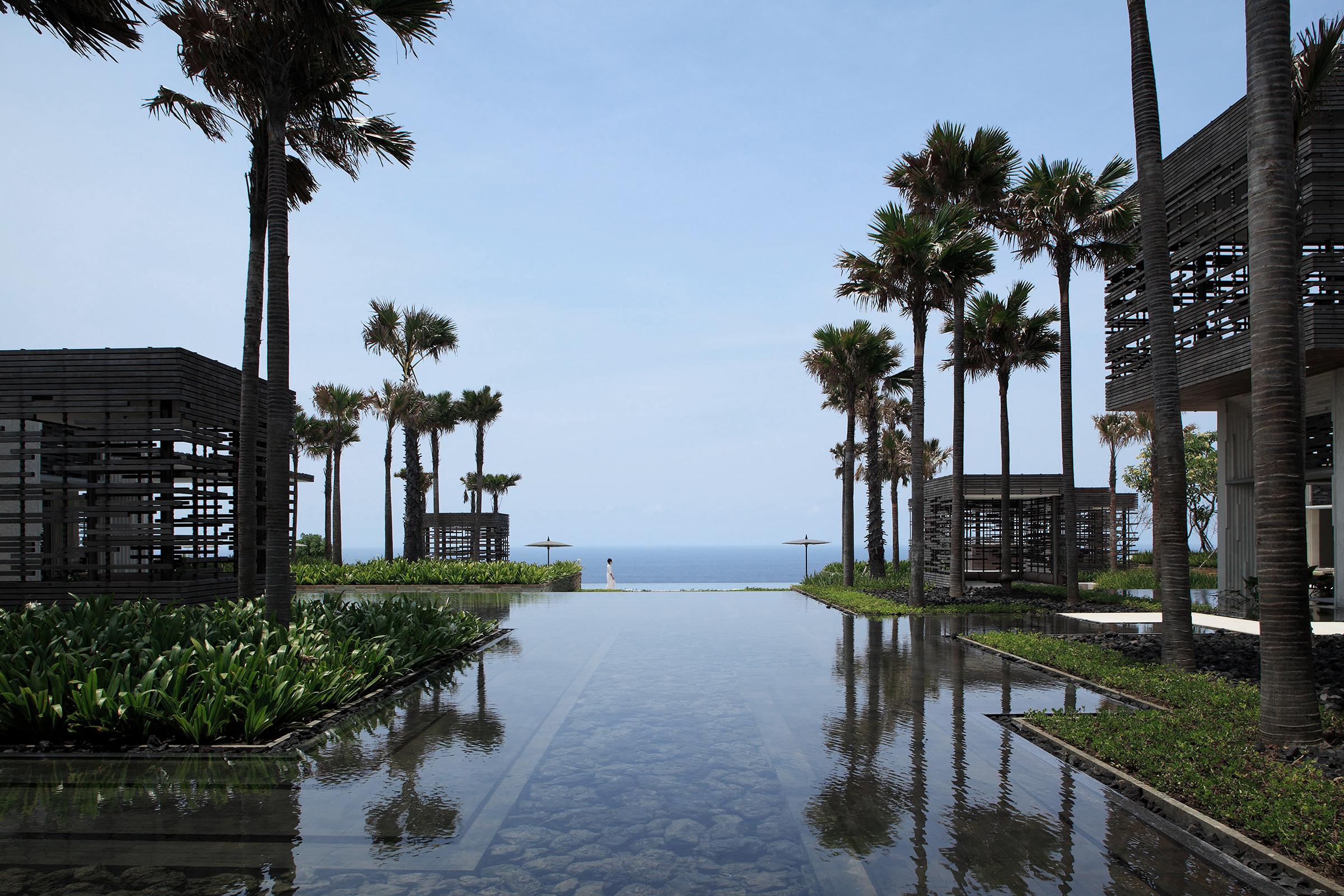 Alila-Villas-Uluwatu-Modern-Luxury-Hotel-Uluwatu-Bali