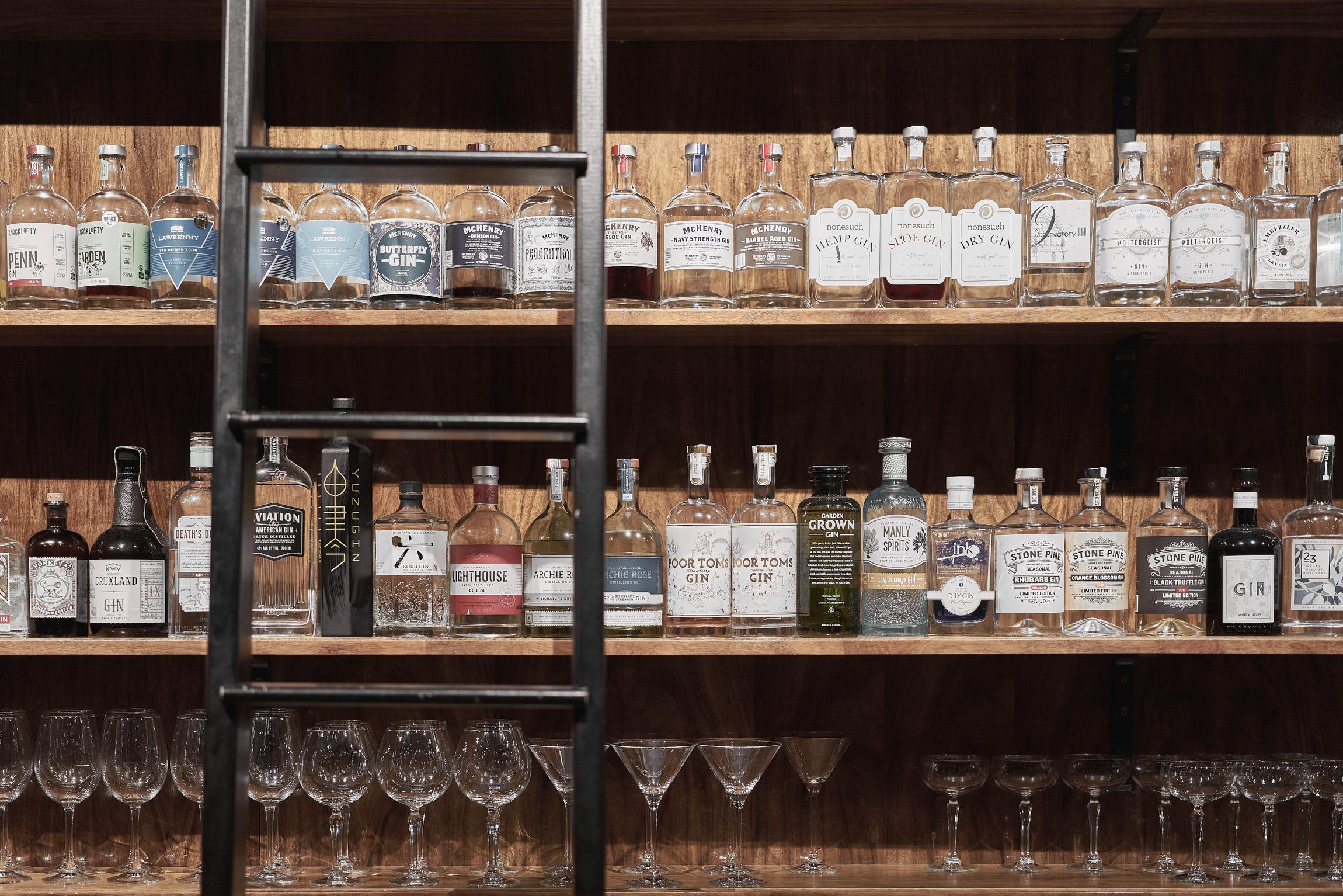 MINI Guide to Tasmania — Society Salamanca bar Hobart