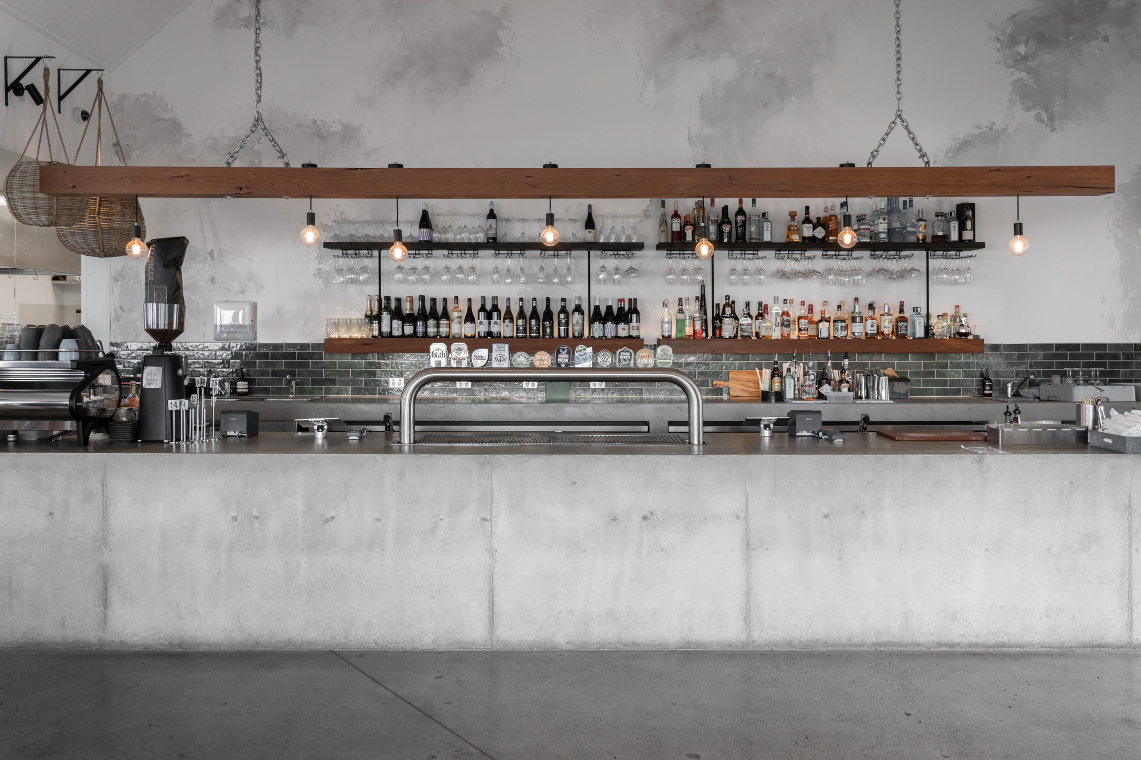 South Coast NSW guide - The Hill Bar & Kitchen