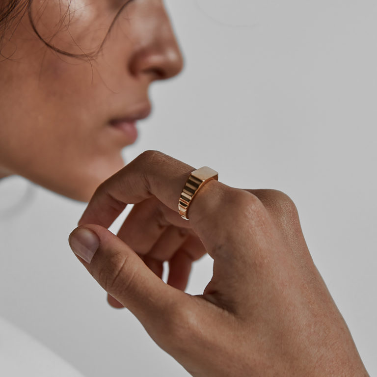 Westhill Gold Shortrake Signet Ring