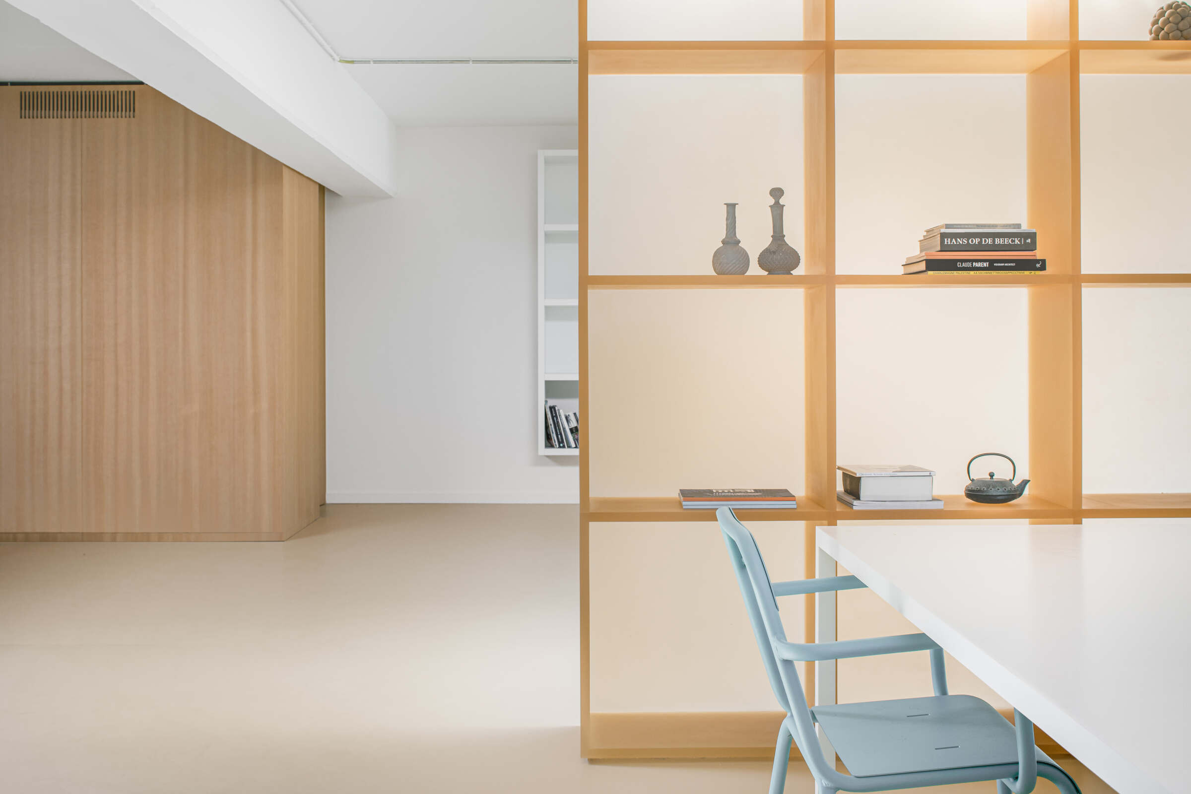 Hodb House | Open plan artists apartment by B-ILD Architects | Softer Volumes