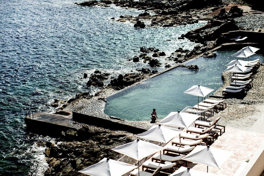 Hotel-Les-Roches-Rouges-—-Modern-Design-Hotel-Luxury-Resort-French-Riviera-—-Softer-Volumes-7