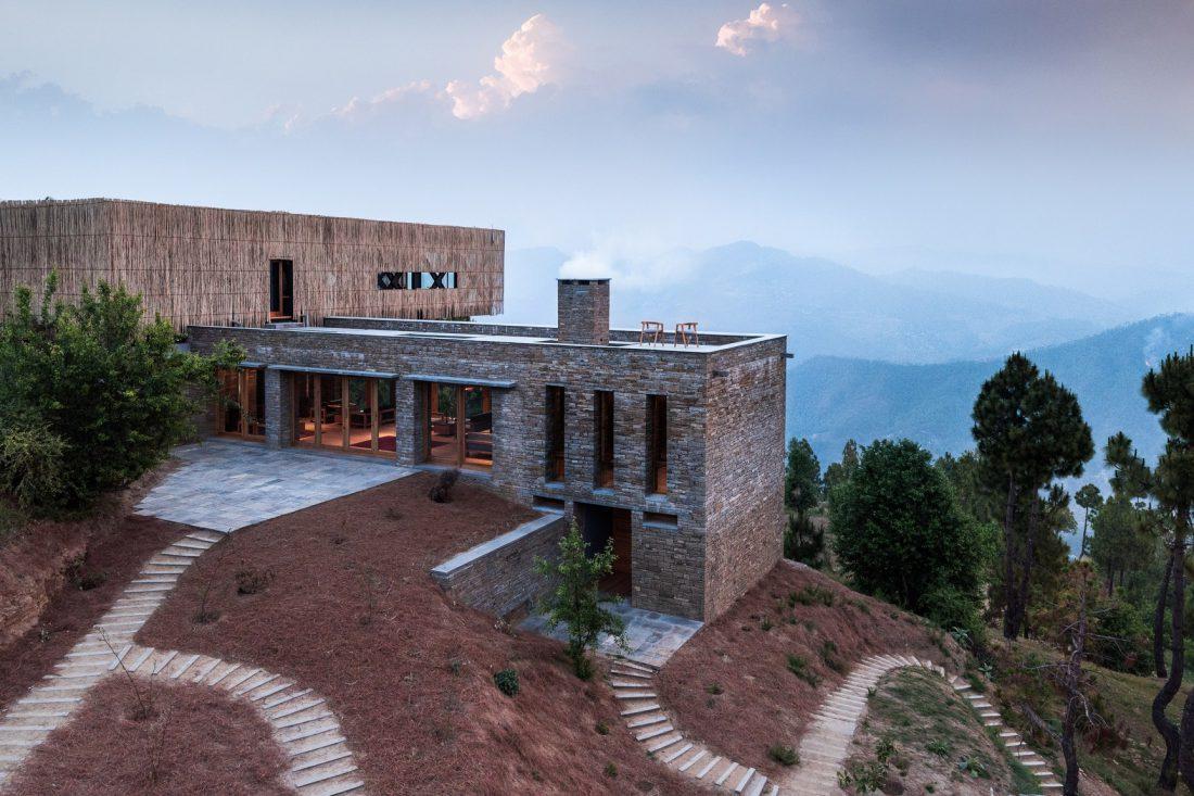 The-Kumaon-Luxury-Design-Hotel-Lodge-Himalayas-India